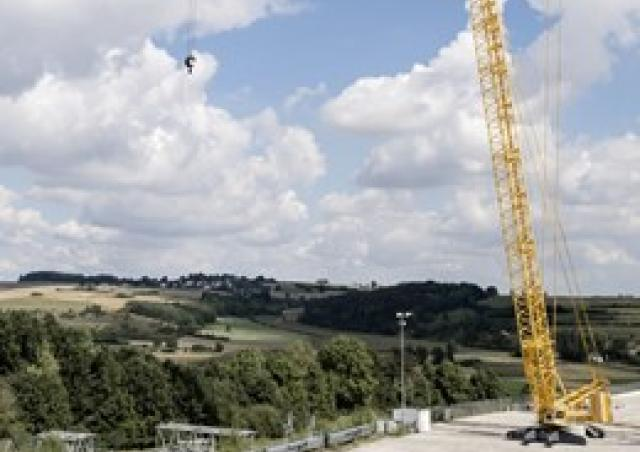 Liebherr LR 1500 Specifications & Load Chart (2016-2019) | LECTURA Specs