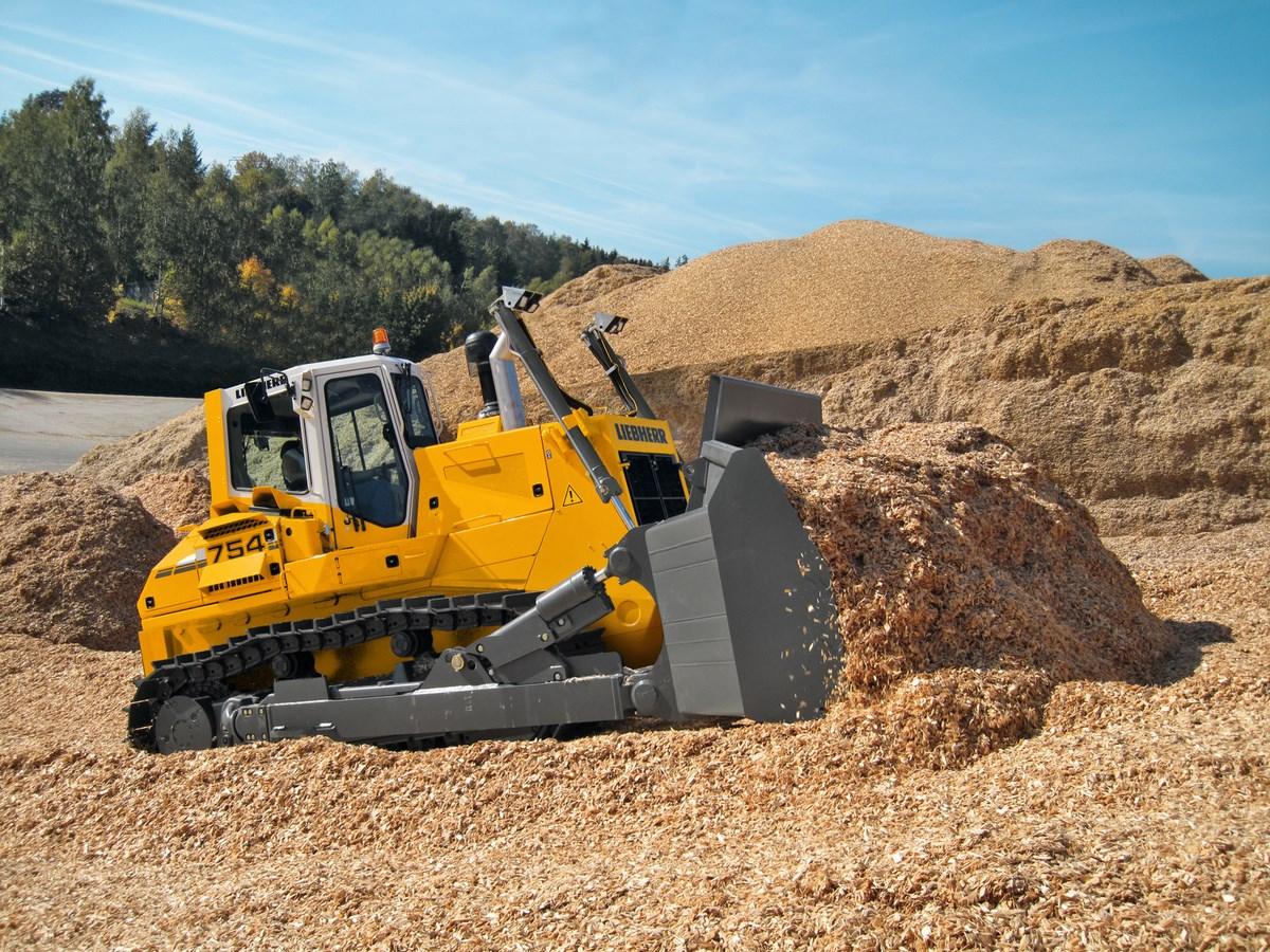 Weight: 34.9t – Transport length: 4.87m – Transport width: 3.14m –  Transport height: 3.63m – Blade type: SU – Soil pressure: 0.98kg/cm²