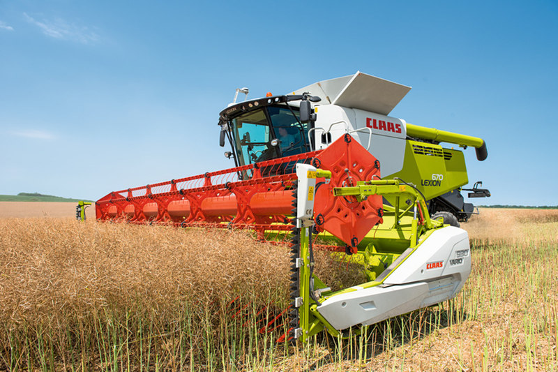 Claas Lexion 660 Combine Harvester