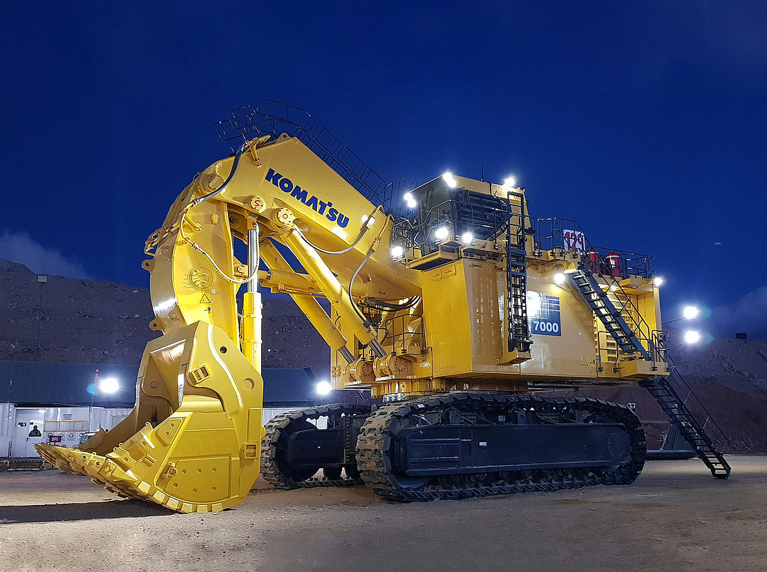 Komatsu PC7000-11 - World's Top 10 largest hydraulic excavators used in 2019
