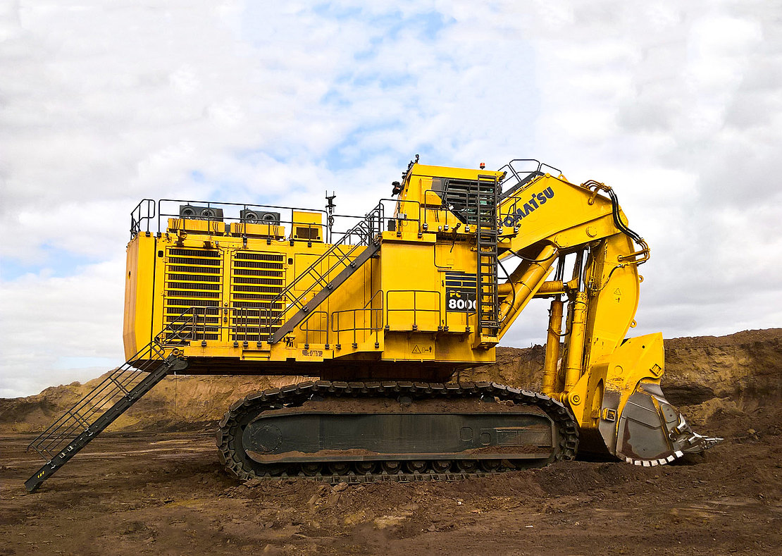 Komatsu PC8000-11 - World's Top 10 largest hydraulic excavators used in 2019